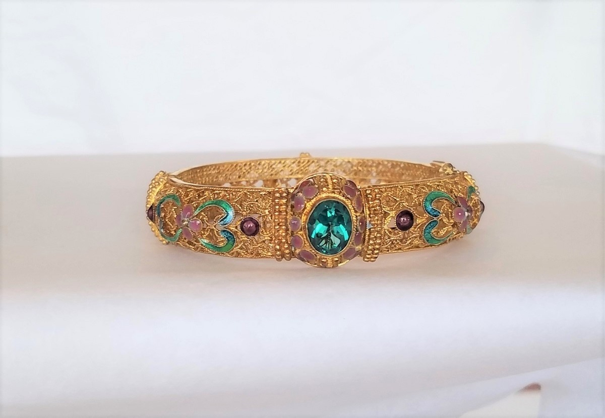Gold Filigree Hinged Bracelet DECORATED WITH CLOISONNE