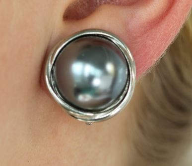 Vintage Mabe Pearl Clip Earrings