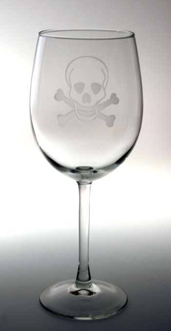 Etched Skull & Cross Bones 18 oz. All Purpose Wine
